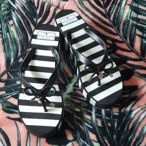 KATE SPADE Black Flip Flops Size 10